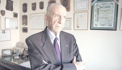Contraalmirante Carlos Büsser