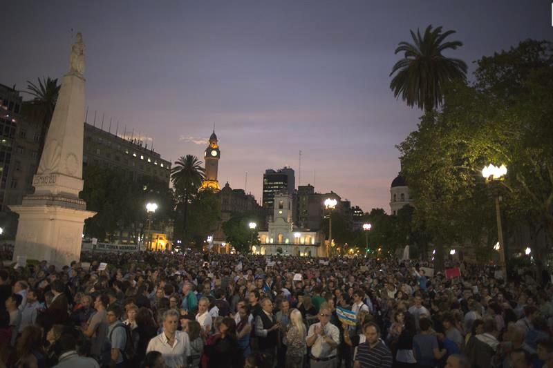 20150119-marcha-plaza-mayo-nisman