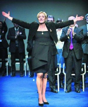 Marine Le Pen , Jean Marie Le Pen