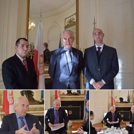 Embajador de Polonia recibi� al equipo del peri�dico Bandera